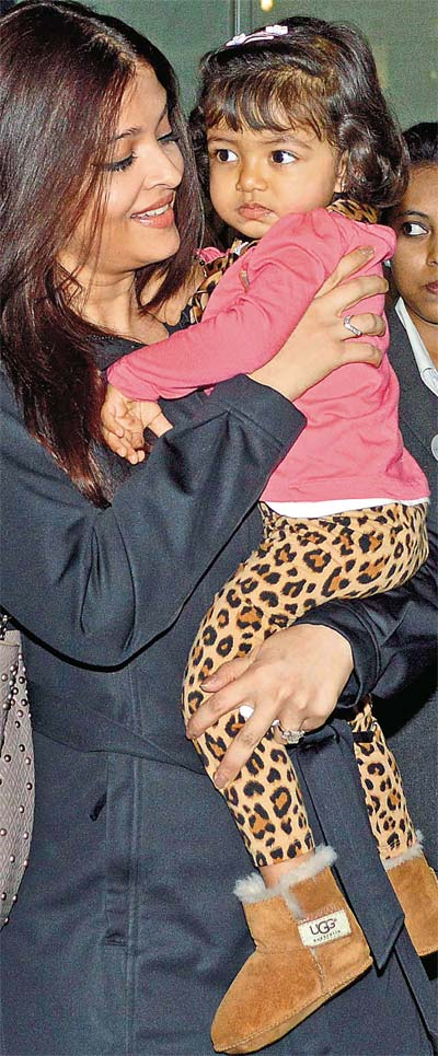 Aishwarya with daughter
